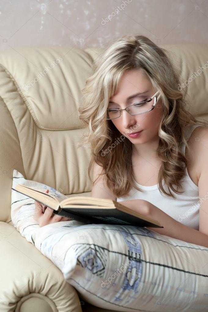 -sexy-woman-with-glasses-reading.jpg